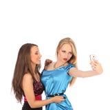 Retrato de duas meninas bonitas que fazem selfies Fotografia de Stock