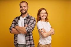 Retrato de encantar a los empresarios carism?ticos de los freelancers listos para solucionar problemas del trabajo del negocio pa foto de archivo libre de regalías