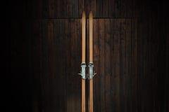 Retrato de esquís de madera Imagen de archivo