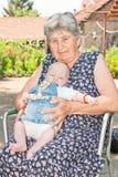 Retrato de la abuela y del bebé Imagen de archivo libre de regalías