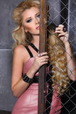 Retrato de la belleza de la moda de la mujer, Girl Hairstyle modelo, pelo rubio Fotos de archivo libres de regalías