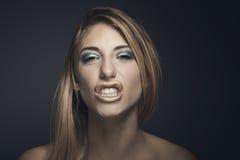 Retrato de la belleza de la mujer atractiva joven Foto de archivo libre de regalías