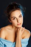 Retrato de la belleza de la mujer bonita joven en estudio Conce del cuidado de la cara Fotos de archivo