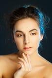 Retrato de la belleza de la mujer bonita joven en estudio Conce del cuidado de la cara Imágenes de archivo libres de regalías
