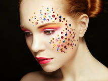 Retrato de la belleza de la mujer con maquillaje hermoso imágenes de archivo libres de regalías