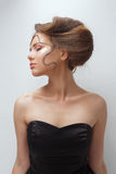 Retrato de la belleza del concepto Modelo moreno Mujer del retrato de la juventud y de la piel Care Fotos de archivo