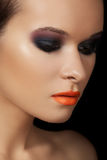 Retrato de la belleza del primer de la cara modelo atractiva Imágenes de archivo libres de regalías