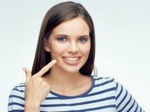 Retrato de la cara del adolescente con los apoyos Fotos de archivo libres de regalías