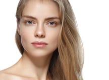 Retrato de la cara de la mujer de la belleza Girl modelo hermoso con el franco perfecto foto de archivo
