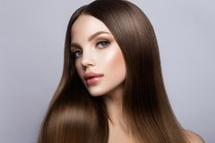 Retrato de la cara de la mujer de la belleza Girl modelo hermoso con la piel limpia fresca perfecta imágenes de archivo libres de regalías