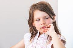 Retrato de la cara de la niña rubia elegante fotos de archivo libres de regalías