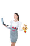 Retrato de la empresaria embarazada ocupada con el ordenador Fotos de archivo