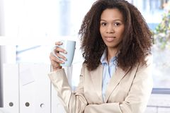 Retrato de la empresaria joven atractiva Imagenes de archivo