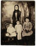 Retrato de la familia de la vendimia. Imágenes de archivo libres de regalías
