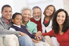 Retrato de la familia en la Navidad foto de archivo libre de regalías
