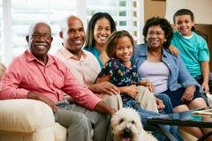 Retrato de la familia multi de la generación fotos de archivo libres de regalías