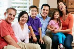Retrato de la familia multi de la generación Fotos de archivo
