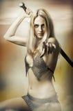Retrato de la fantasía del combatiente atractivo de la mujer Imagenes de archivo
