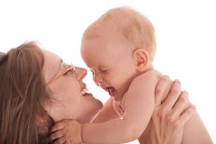 Retrato de la madre feliz con el bebé alegre Fotografía de archivo libre de regalías