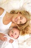 Retrato de la madre y del hijo foto de archivo