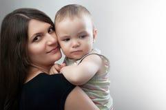 Retrato de la madre y del niño Imágenes de archivo libres de regalías