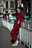 Retrato de la moda de la calle de la chica joven Fotos de archivo