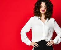 Retrato de la moda del estilo del negocio de la mujer joven fotos de archivo libres de regalías