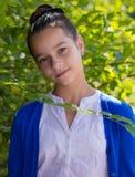 Retrato de la muchacha adolescente al aire libre Imágenes de archivo libres de regalías