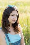 Retrato de la muchacha adolescente al aire libre en verano Fotos de archivo libres de regalías