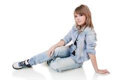 Retrato de la muchacha - adolescente en estudio Imagenes de archivo