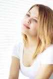 Retrato de la muchacha atractiva Fotografía de archivo