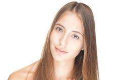 Retrato de la muchacha atractiva hermosa aislada en blanco. Imagen de archivo