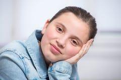 Retrato de la muchacha bastante joven del adolescente Imágenes de archivo libres de regalías