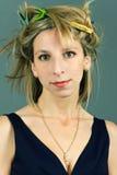 Retrato de la muchacha con los clothespins Imagen de archivo