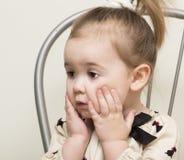 Retrato de la muchacha de 2 años. Imagen de archivo libre de regalías