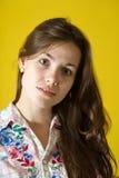 Retrato de la muchacha de pelo largo Foto de archivo libre de regalías