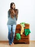 Retrato de la muchacha del adolescente en casa Fotos de archivo