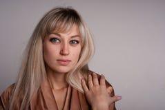 Retrato de la muchacha del blonde. Fotos de archivo