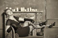Retrato de la muchacha del gángster. Fotos de archivo