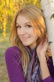 Retrato de la muchacha del otoño Imagen de archivo libre de regalías