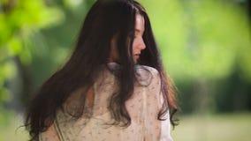 Retrato de la muchacha del verano almacen de metraje de vídeo