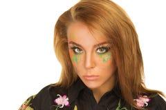 Retrato de la muchacha hermosa con maquillaje brillante Fotos de archivo libres de regalías