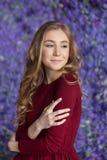 Retrato de la muchacha hermosa joven Foto de la manera estudio Imagen de archivo