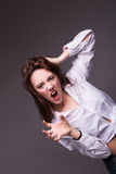 Retrato de la muchacha loca que se sostiene el pelo Fotografía de archivo