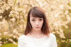 Retrato de la muchacha morena de moda Imagenes de archivo
