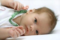 Retrato de la muchacha recién nacida foto de archivo
