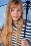 Retrato de la muchacha rubia Fotografía de archivo libre de regalías