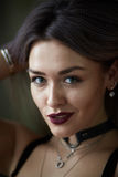 Retrato de la muchacha rubia hermosa atractiva Imagenes de archivo