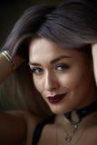 Retrato de la muchacha rubia hermosa atractiva foto de archivo libre de regalías