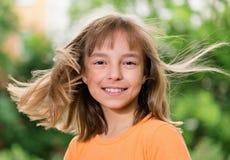 Retrato de la muchacha sonriente Fotografía de archivo libre de regalías